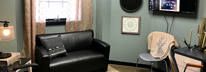 Chiropractic Dickson TN Office Seating Room